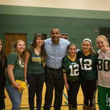 Green Bay Packers star William Henderson visits Greendale Middle School (Photos)