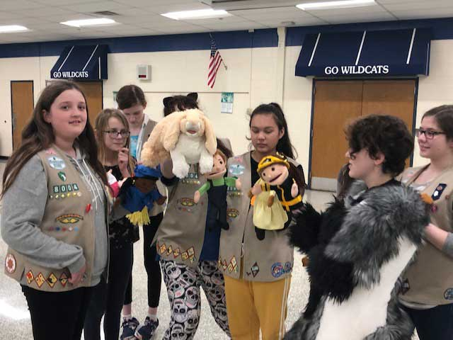 GAB MEETS WITH GIRL SCOUT DAISY TROOP AT WISCONSIN HILLS MIDDLE SCHOOL IN BROOKFIELD